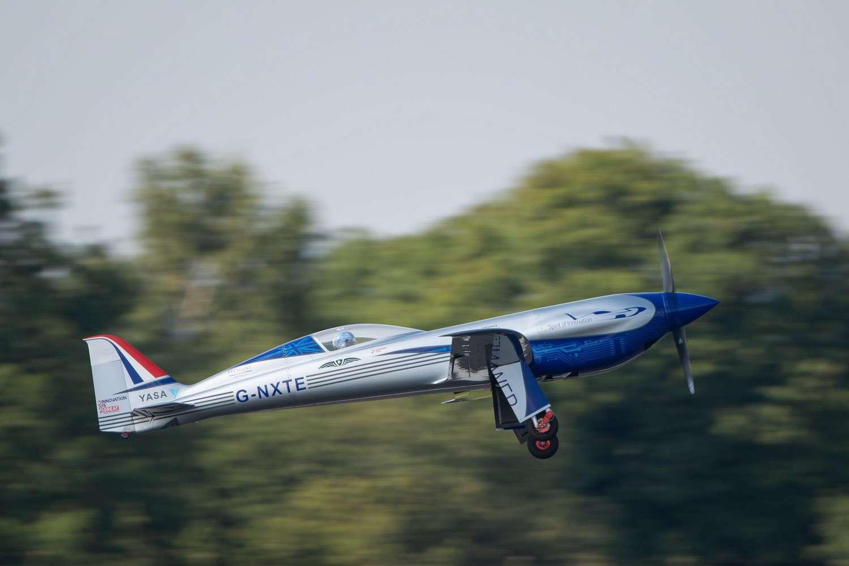 L'avions électrique Spirit of Innovation de Rolls-Royce au moment du décollage pour son vol inaugural. © Rolls-Royce