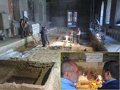 Le chantier des fouilles à l'intérieur du couvent de Sant'Orsola, montré sur le site des Nouvelles de Florence. © Nove da Firenze