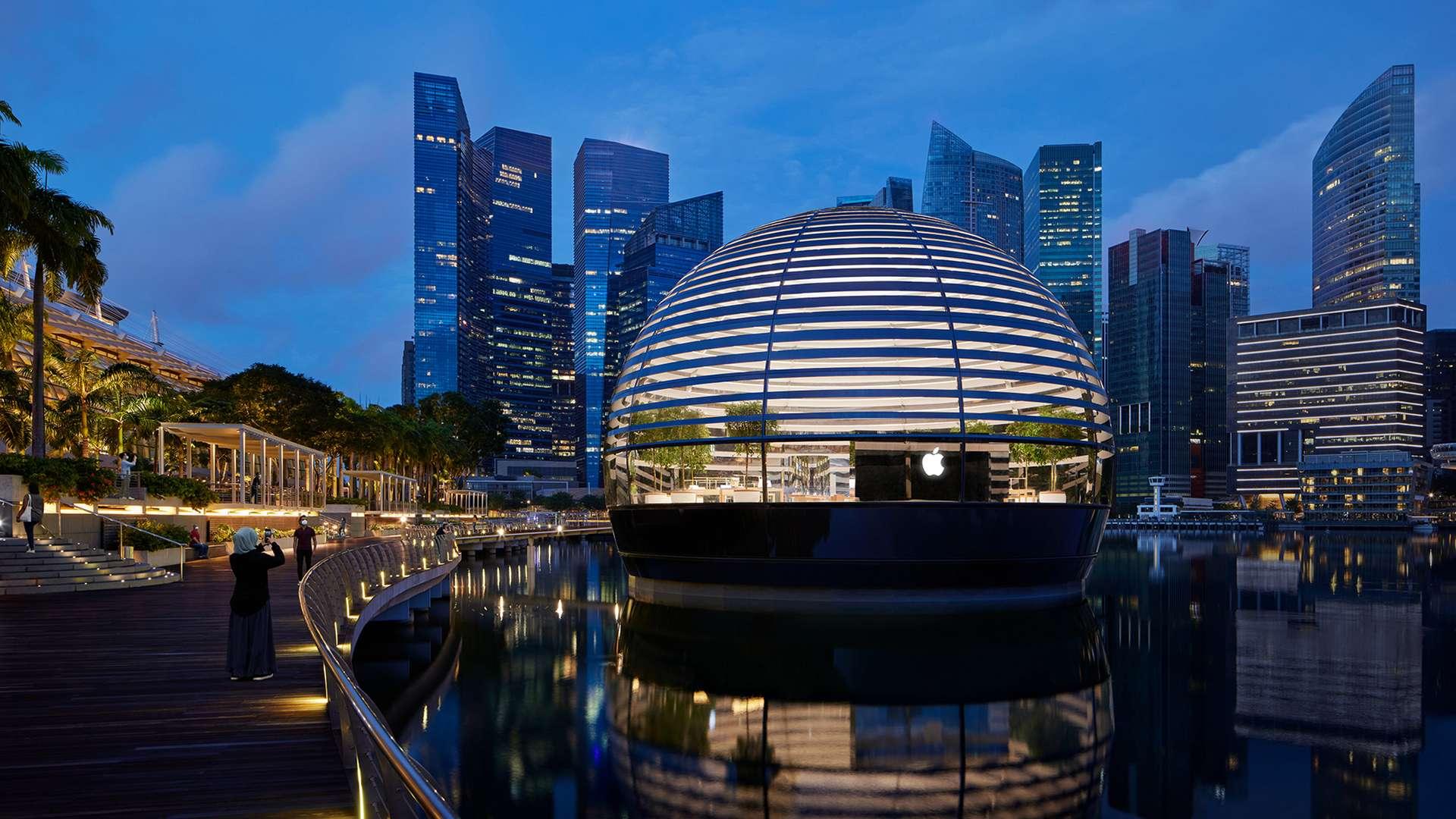 L'Apple Marina Bay Sands est le premier Apple Store construit directement sur l'eau. © Apple