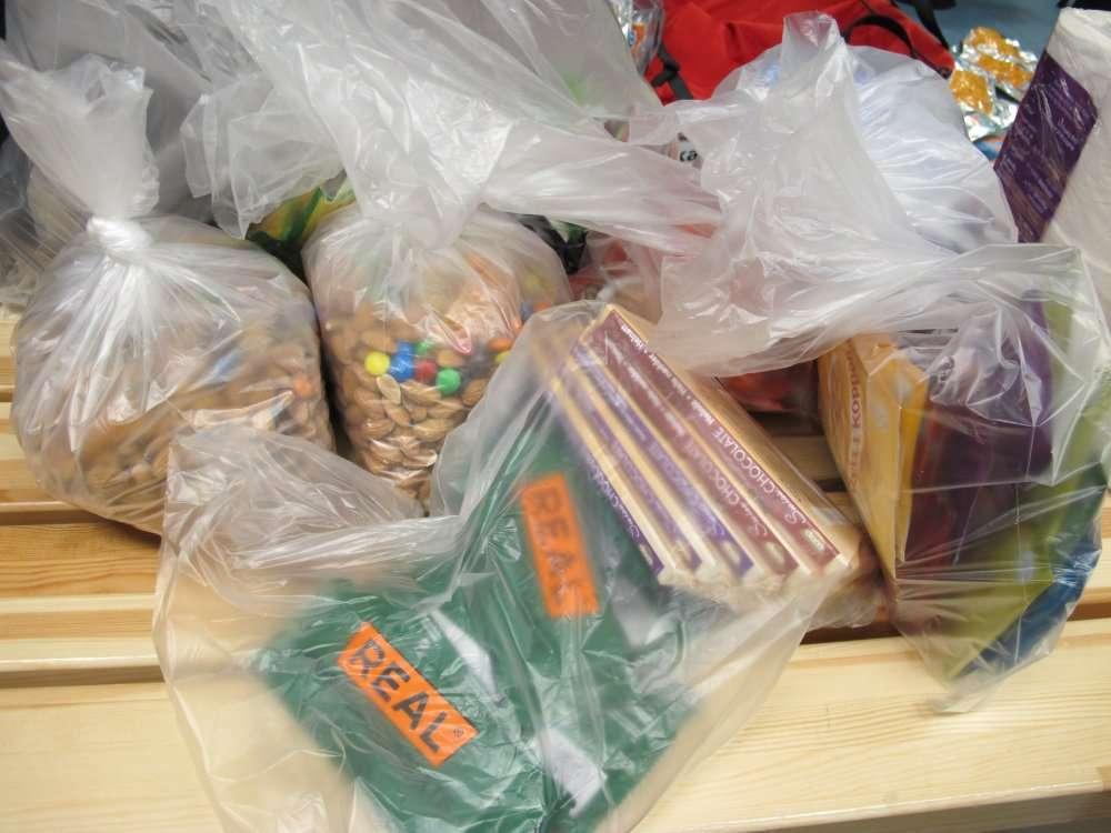 Pâte d'amandes, fruits secs, chocolat ultraénergétique : le régime polaire ! © Pôle Nord 2012