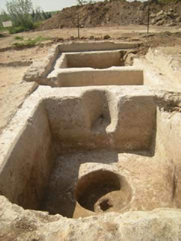 Une partie de la bâtisse de pressurage du raisin trouvée sur le site archéologique d'Hamei Yo'av, proche de la ville d'Ashkelon. © Clara Amit, Israel Antiquities Authority