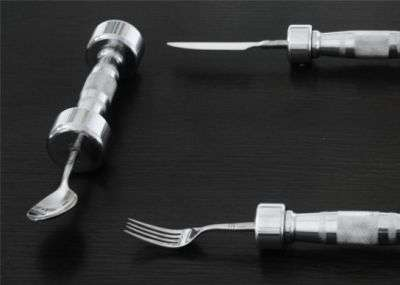 Les couverts Dumb-Bell Cutlery. © Thecheeky.com