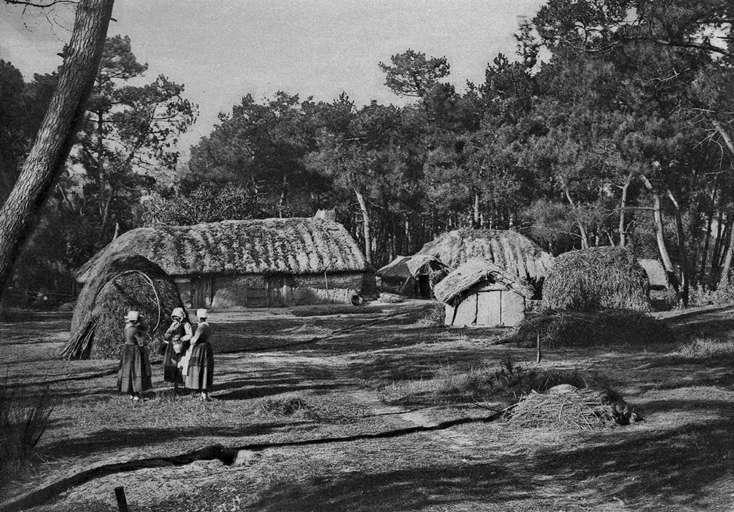 Ces bourrines, constructions vendéennes, datent de 1890. Elles étaient implantées sur la commune de Saint-Hilaire de Riez. © Thesupermat , CC BY-SA 3.0, Wikimedia Commons