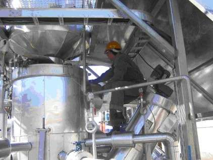 Production de bio-carburant à partir de matière organique dans une usine allemande.
