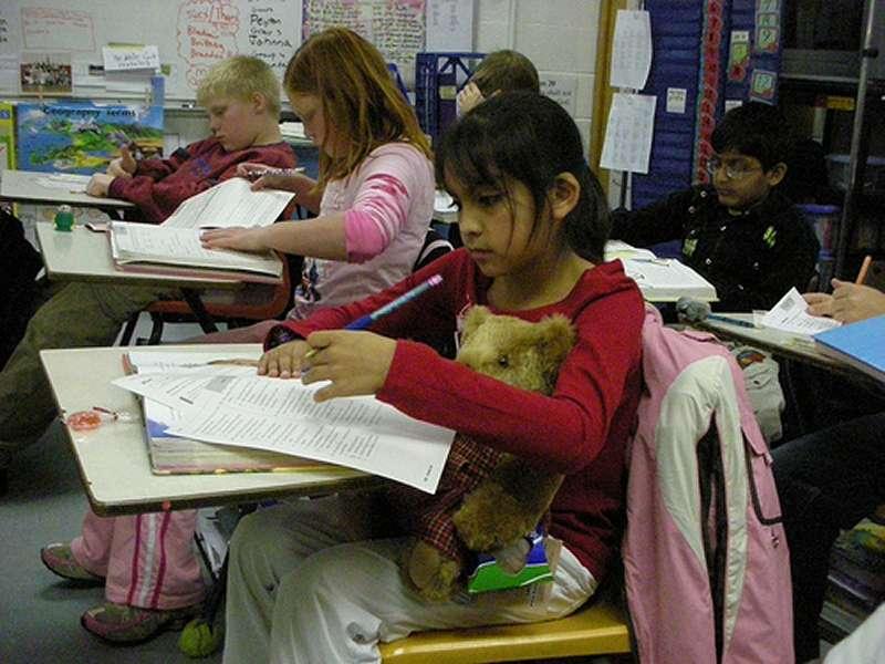 Les petites filles manient plus tôt que les garçons les subtilités du langage... © Old Shoe Woman / Flickr - Licence Creative Common (by-nc-sa 2.0)