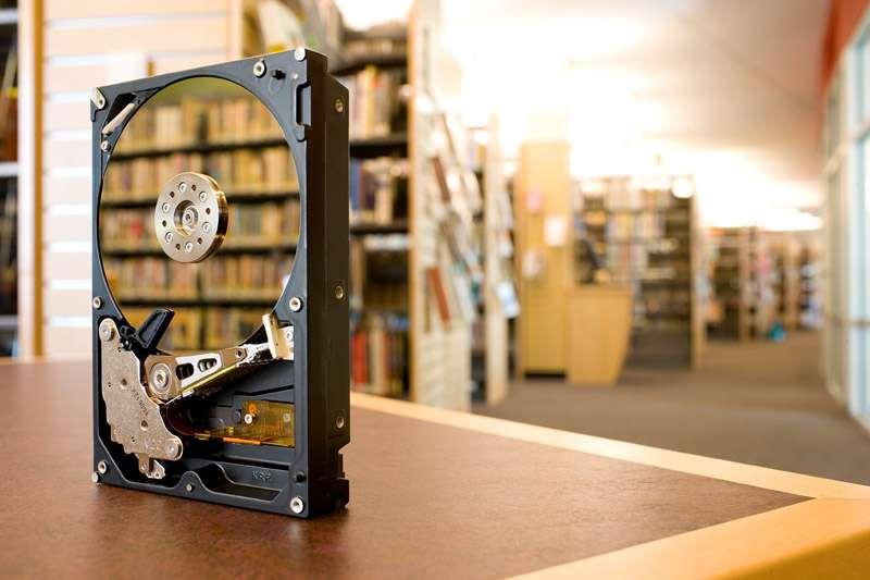 Sur le Deskstar 7K1000, du même Hitachi, qui engrange 1 téraoctet, la densité d'information est de 148 Gbits par pouce carré. © Hitachi