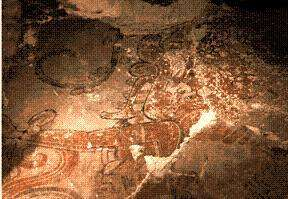 La fresque murale colorée découverte par l'équipe de William Saturno.