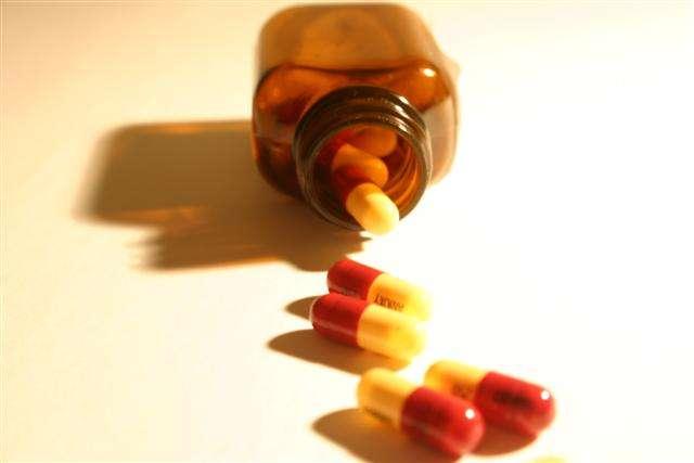 Contre l'ablation de l'appendice, opération chirurgicale la plus pratiquée, les antibiotiques se posent comme une solution de secours tout à fait crédible. Attention tout de même à les utiliser avec parcimonie pour éviter d'accroître les phénomènes de résistances bactériennes. © Matt Browne, Flickr, cc by nd 2.0