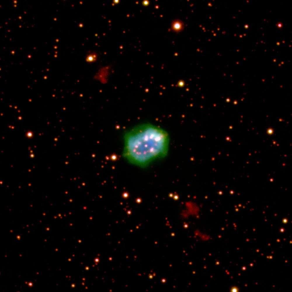 C'est dans la constellation de la Flèche que se trouve l'étonnante nébuleuse du Collier © Romano Corradi/IAC/IPHAS