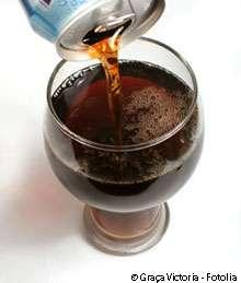 Les sodas contiennent du fructose, un des facteurs probables de risques de la goutte. © Graça Victoria, Fotolia