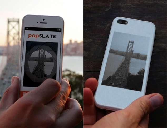 Un étui d'un nouveau genre pour l'iPhone 5 : celui de PopSlate, qui intègre un écran à encre électronique pour afficher une photo personnelle ou des alertes. Avec une application spécifique, il est possible de personnaliser la coque de protection ou de s'en servir pour afficher des alertes. © PopSlate