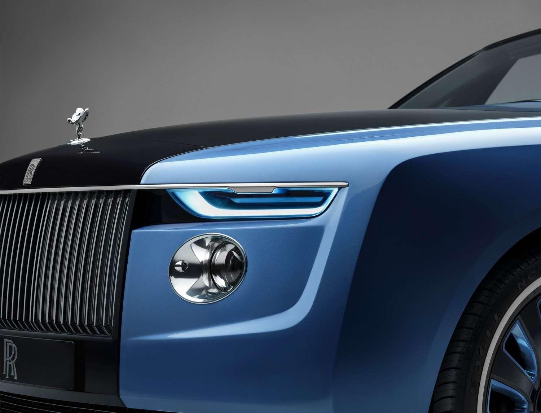 On ne sait pas encore quelles lignes adoptera la future Rolls-Royce électrique Silent Shadow. Ici la calandre de la Rolls-Royce Boat Tail, la voiture de série la plus chère au monde. © Rolls-Royce