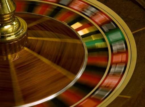 Les jeux d'argent sont parfois l'occasion de grosses prises de risques. Par exemple, il y a statistiquement une chance sur 37 de tirer le bon numéro à la roulette, soit 2,07 % de probabilité de gagner. Cela n'empêche pas certains de jouer le tout pour le tout... © jrease, xtremecamera.com, cc by nc nd 2.5