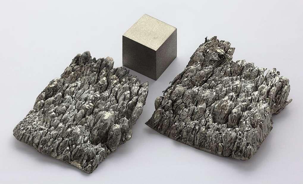 Le scandium est un métal mou et léger. Du fait de sa faible production mondiale, il reste un élément cher. © Alchemist-hp, Wikimedia Commons, CC by-nc-nd 3.0