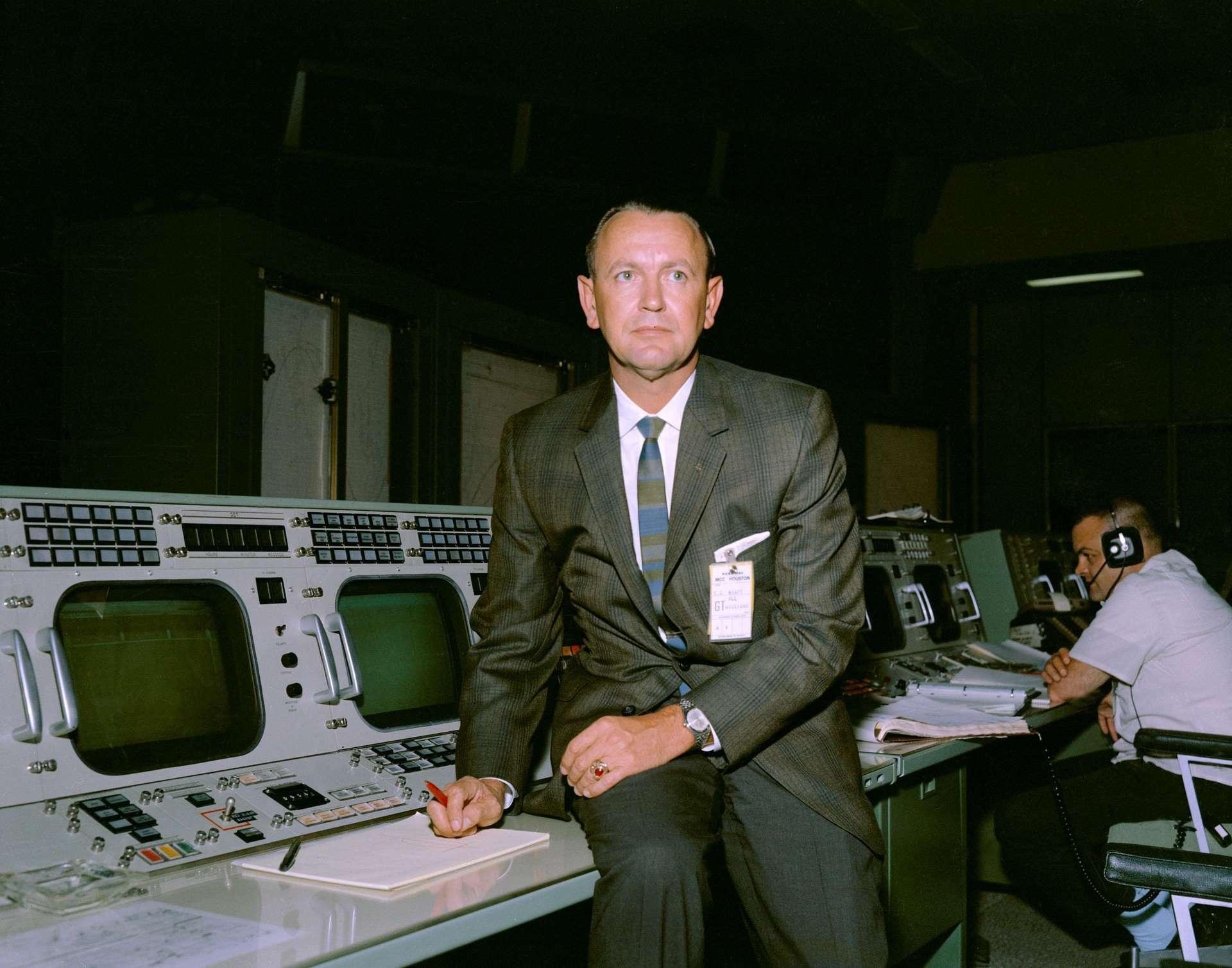 Chris Kraft dans le centre Mission Control à Houston. © Nasa