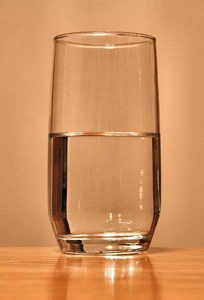 S'alimenter d'un simple verre d'eau n'est pas bon pour la santé, et n'est pas non plus efficace pour perdre les kilos en trop. © DR