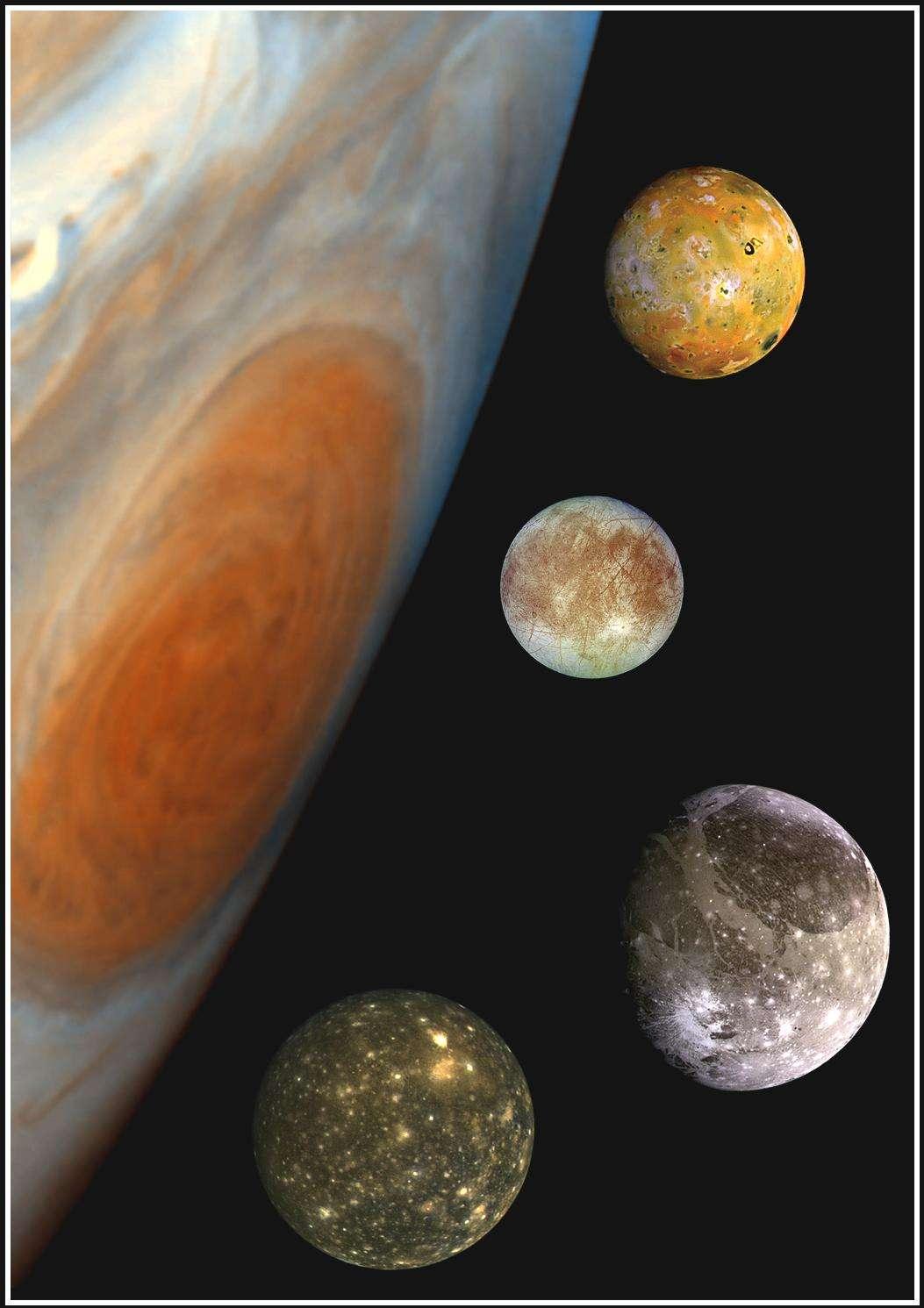 Un montage de différentes images prises par la sonde Galileo. On voit à gauche Jupiter et sa tache rouge et de haut en bas Io, Europe, Ganymède et Callisto. © N.A.S.A-JPL
