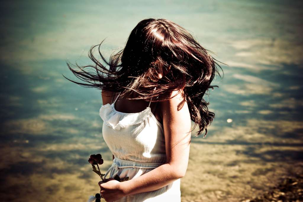 En moyenne, un Homme possède entre 100.000 et 200.000 cheveux. Après une blessure, ils ne peuvent plus repousser. © kelsey_lovefusionphoto, Flickr, cc by 2.0