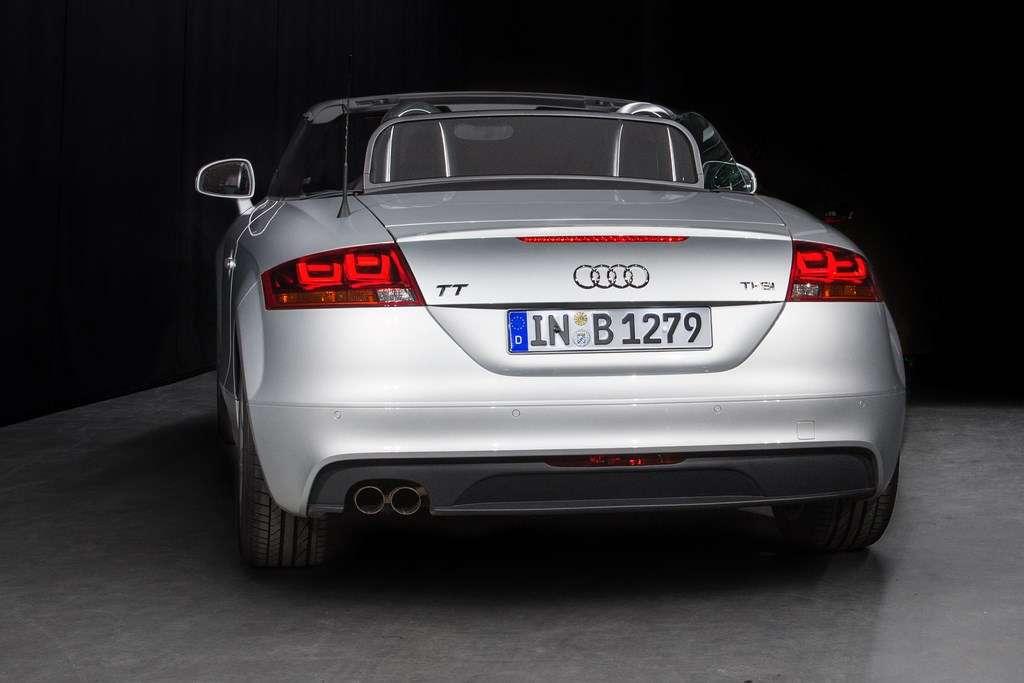 Ce projet d'éclairage Oled en 3D a été financé par le gouvernement fédéral allemand à hauteur de 5,7 millions d'euros. Audi n'a rien d'une commercialisation éventuelle. © Audi, Philips, Automotive Lighting, Merck, université de Cologne