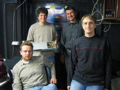 Une photo des chercheurs à Heidelberg Crédit :TSR Relativity Team (Sascha Reinhardt, Sergei Karpuk, Christian Novotny, Guido Saathoff)