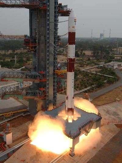 Mise à feu du lanceur PSLV. Crédit : ISRO