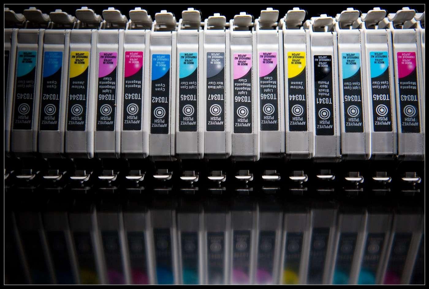 Un chercheur du MIT a eu l'idée de fabriquer de l'encre noire à partir de la suie émise par les gaz d'échappement et d'autres combustions polluantes. Techniquement fonctionnelle, son invention est pour le moment encore très artisanale. © Kenny Loule, Flickr, CC by 2.0