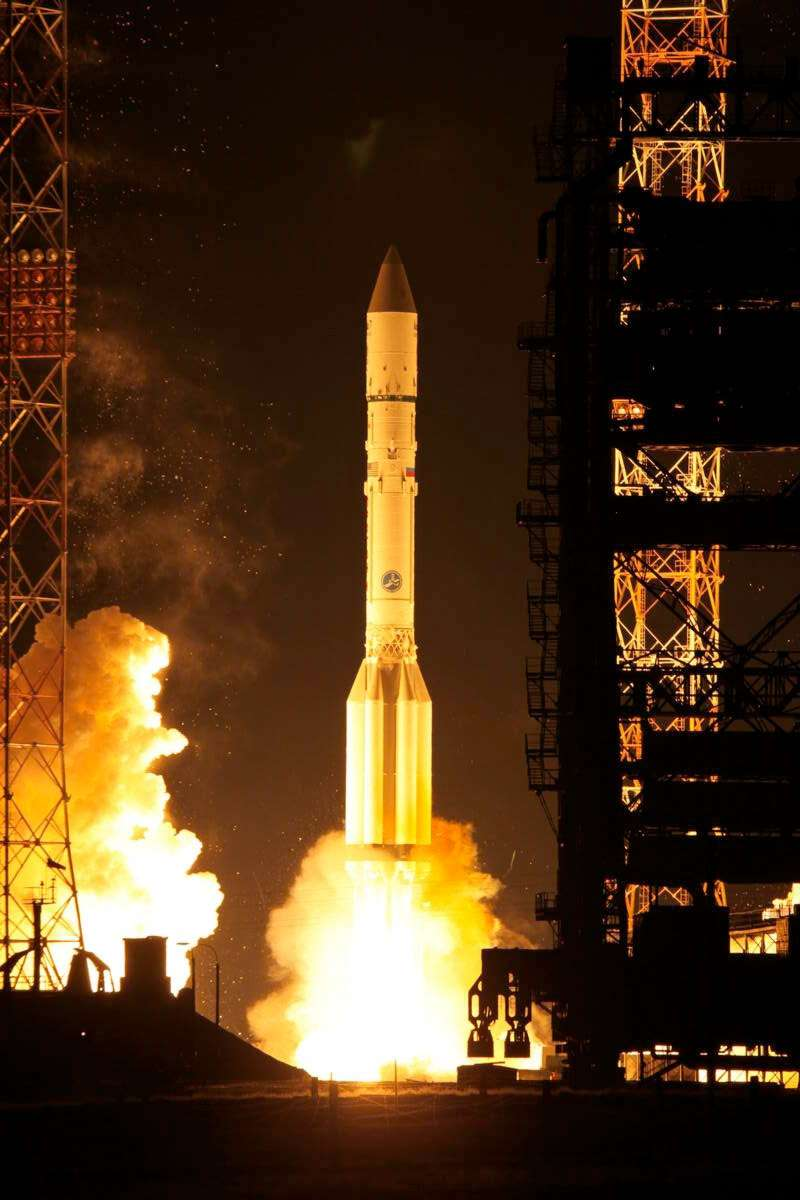 Sans surprise, l'échec du lanceur Proton renforce Ariane 5 qui vient de signer un cinquantième succès d'affilée. À l'image, lancement et mise à poste réussis du satellite Asiasat-7 en novembre 2011. © International Launch Services