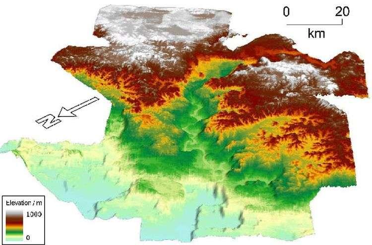 Une partie de la carte révélée par écho-sondage. On voit clairement au centre les restes d'une rivière. Le relief se situe entre 900 et 700 mètres sous le niveau de l'océan Atlantique. © Nature Geoscience