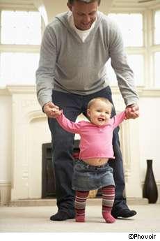 La paternité se traduite, chez les hommes, par une baisse du taux de testostérone. © Phovoir