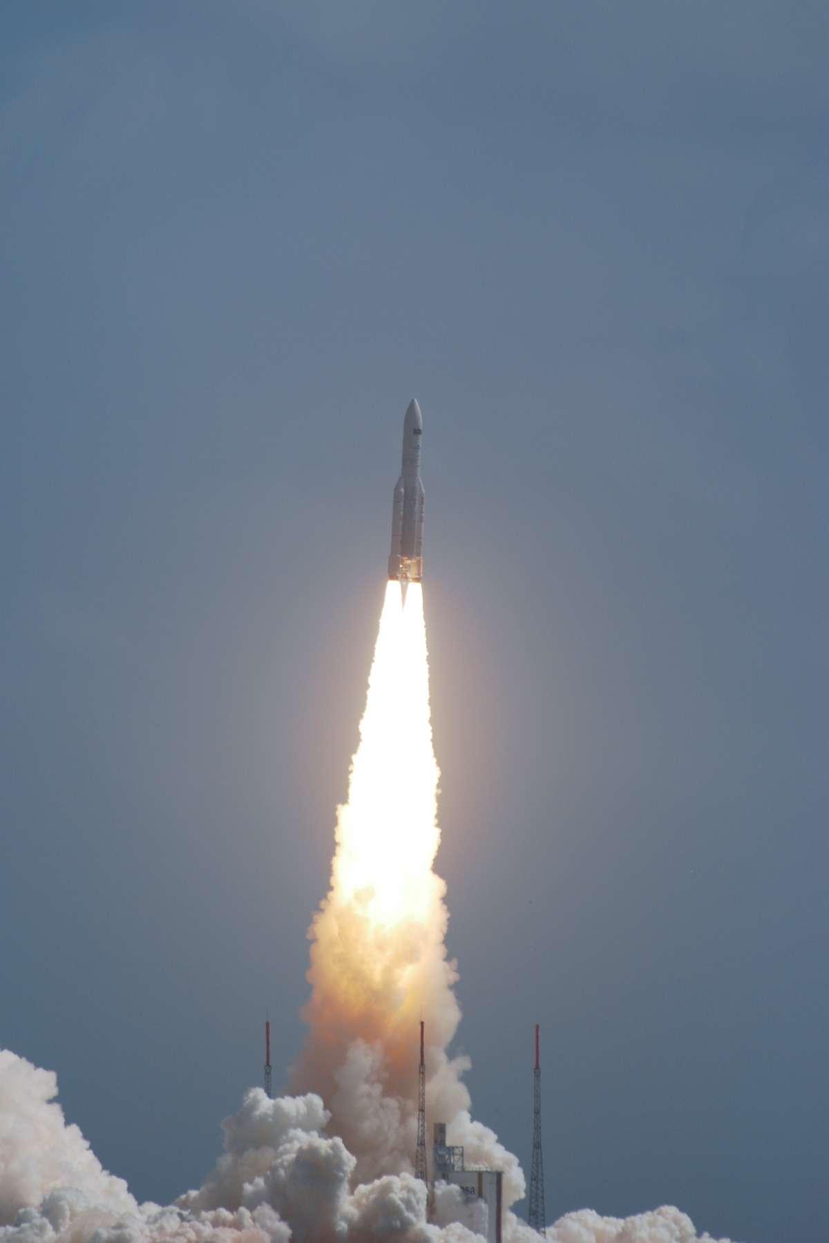 La fiabilité opérationnelle d'Arianespace rend le lanceur européen incontournable sur le marché du lancement de satellites ouverts à la concurrence. © Rémy Decourt