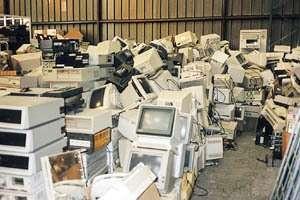 Un four pour recycler les déchets électroniques