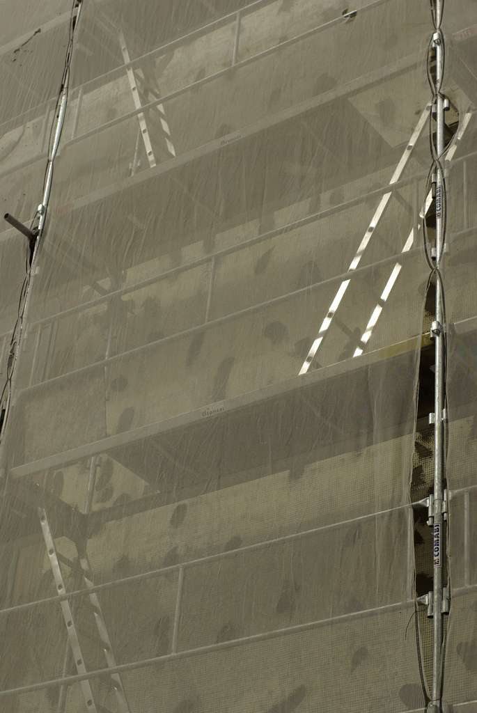 Le ravalement peut intervenir sur une ou sur toutes les façades d'un bâtiment. © Joël, CC BY-SA 2.1, Flickr