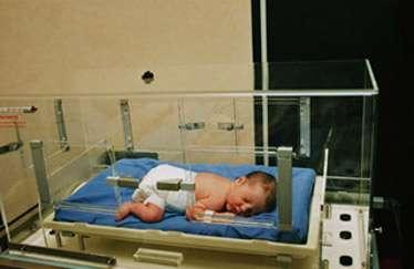 Des maternités utilisent des biberons et tétines stérilisés à l'oxyde d'éthylène, un gaz cancérigène. © Phovoir
