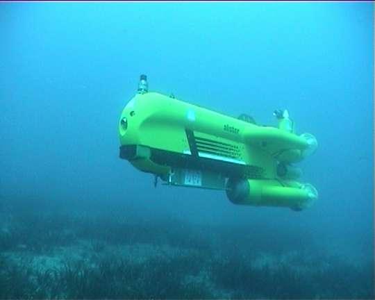 Alister en plongée. Un démonstrateur de la société ECA. © ECA