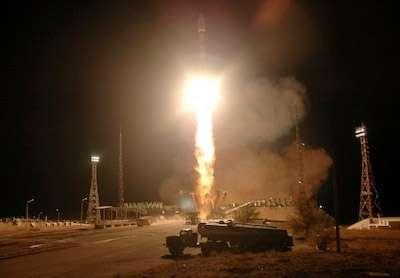 Lancement réussi des six premiers satellites de la constellation Globalstar de seconde génération. Avec une masse au lancement d'environ 700 kilogrammes et une puissance en fin de vie de 1,7 kilowatt, chaque satellite est équipé de 16 répéteurs dans les bandes C à S et 16 récepteurs dans les bandes L à C. © Starsem