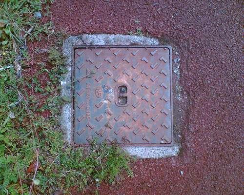 Un terrain viabilisé se trouve à proximité des réseaux d'eau potable, électricité, assainissement... © Groupe aménagement numérique des territoires, CC BY 2.0, Flickr