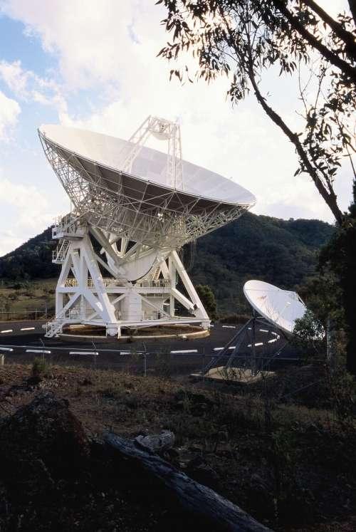 Le radiotélescope australien Mopra, qui a prêté son antenne pour l'expérience d'interférométrie. © Shaun Amy