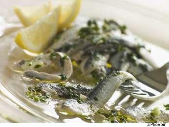 Une alimentation méditerranéenne permet aux personnes âgées de conserver une vitesse de marche élevée. © Phovoir
