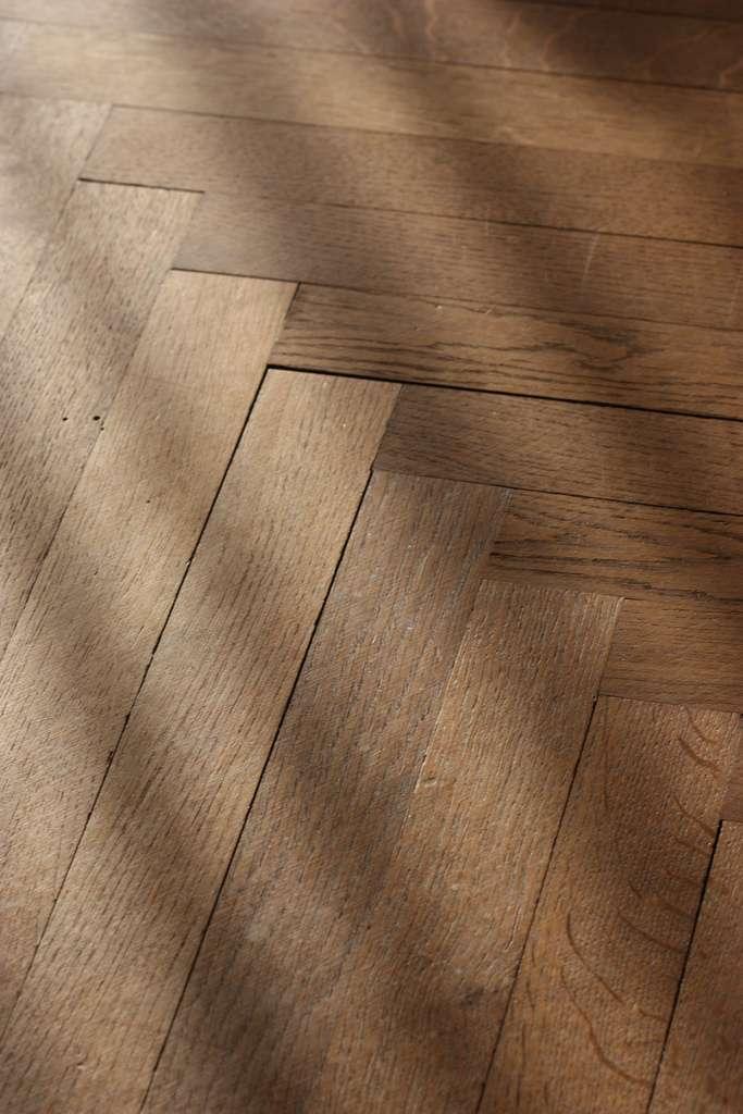 Un revêtement de sol tel qu'un parquet est composé d'un assemblage de lames de bois. © Rafael Garcia-Suarez, CC BY-SA 2.0, Flickr