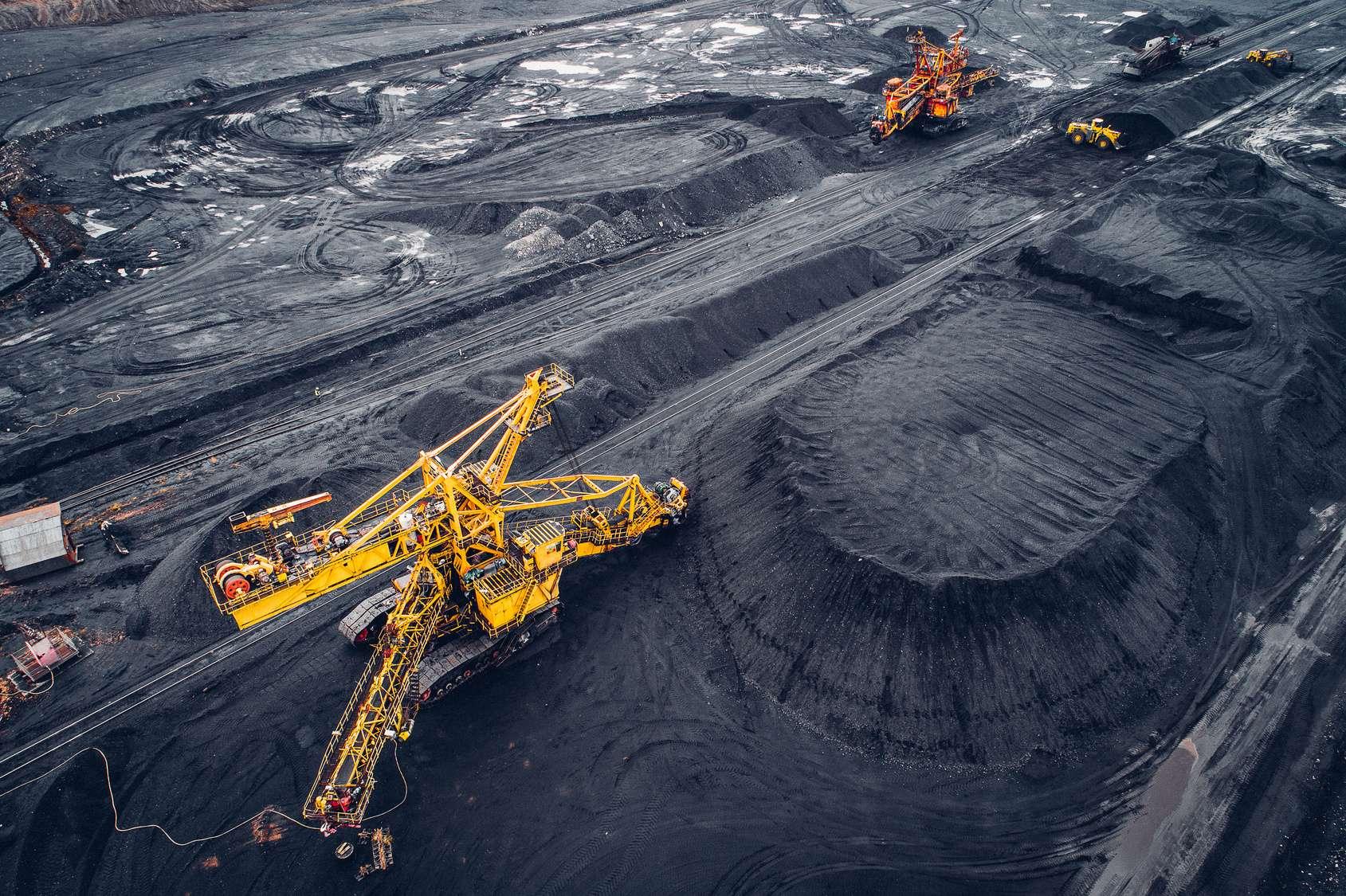 La région de Kemerovo en Sibérie est une grande productrice de charbon. La pollution générée par cette activité est montrée du doigt pour expliquer la neige noirâtre tombée sur les villes de la région. © agnormark, Fotolia