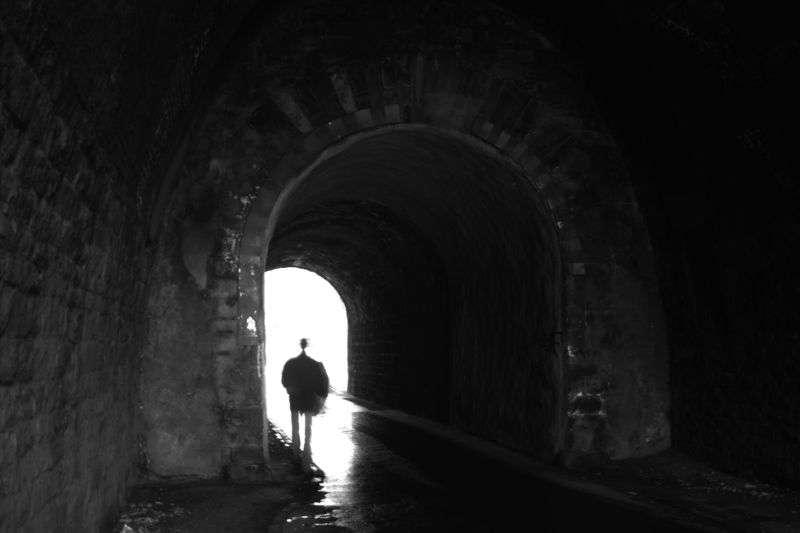 Le buzz du mois : la vie après la mort à l'étude. Les survivants d'un arrêt cardiaque se souviennent parfois avoir vu de la lumière, mais ont aussi d'autres sensations, comme de la peur. © Jesse Krauß, Wikimedia Commons, DP