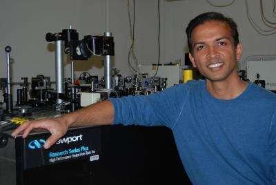 Figure 2. Ajay Nahata au travail. Crédit : University of Utah