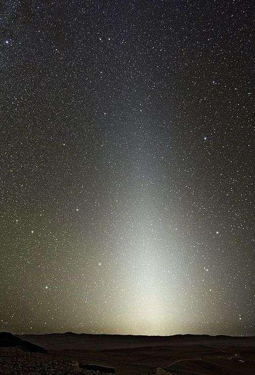 Observez la lumière zodiacale. © DR