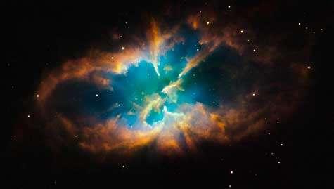 La nébuleuse planétaire NGC 2818. Crédit Nasa/Hubble