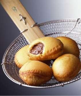 Les bugnes au chocolat : voilà une recette qui ravira les papilles pour votre soirée d'Halloween ! © F.O.D./Cedus
