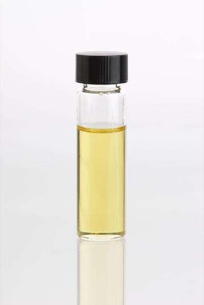 Les huiles essentielles sont des mélanges concentrés de substances végétales. © DR