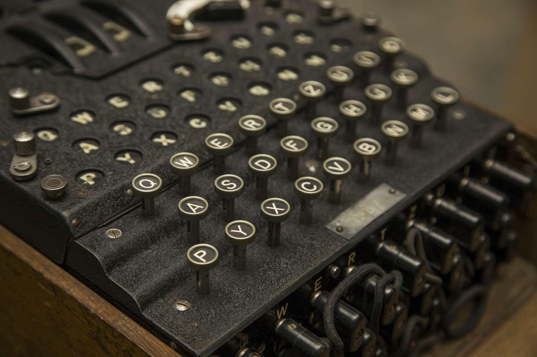 Pendant la Seconde Guerre mondiale, les Allemands ont eu recours à une machine de chiffrement redoutable baptisée Enigma. © Boca, Adobe Stock