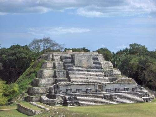 Une des causes de la disparition de la civilisation maya aurait pu être la perte de fertilité des sols. © Mableclaid, Wikimedia Commons, DP