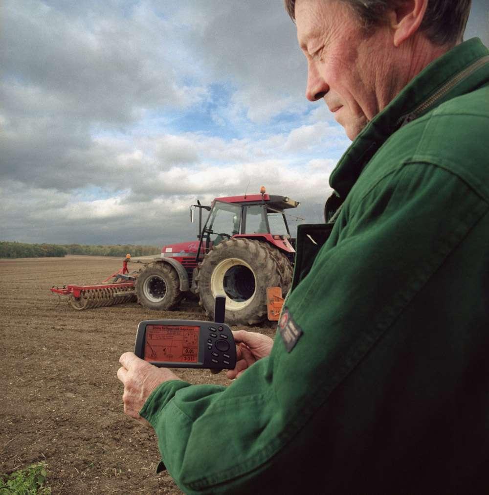 Qu'ils soient agriculteurs, humanitaires ou militaires, les utilisateurs de services spatiaux ont de grands besoins en termes de rapidité, de disponibilité et de contenu. Crédits Esa / P. Sebirot