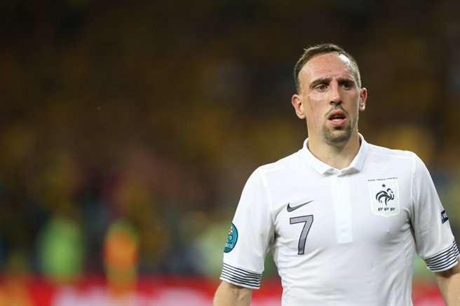 Franck Ribéry, encore en course pour un Ballon d'or, va figurer parmi les plus grandes stars de cette Coupe du monde de football, et devrait constituer l'une des principales armes de l'équipe de France. Mais attention à ne pas attraper la dengue ! © football.ua, Wikipédia, cc by sa 3.0